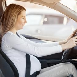 El uso del cinturón de seguridad durante el embarazo