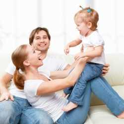 Madres y padres de hijo único. Consejos de educación.