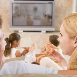 ¿Se debe apagar la televisión en las comidas?