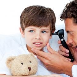 Otitis: bebés y niños con dolor de oídos