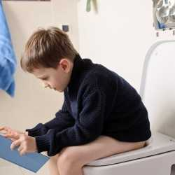 Bebés y niños con diarrea infantil