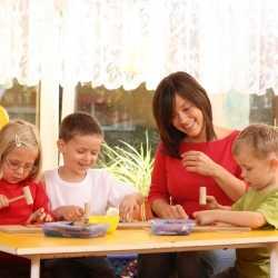 Adaptación de niños de 2 a 3 años a la escuela, parvulario o guardería