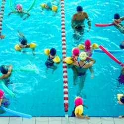 Prevención y medidas de seguridad en la natación infantil