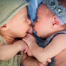 ¿Qué factores determinan un embarazo múltiple?