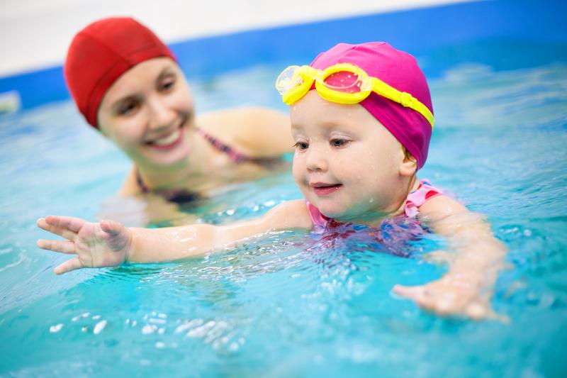 La matronatación: la natación del bebé con la madre