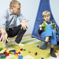 Higiene infantil: limpieza de la ropa y juguetes de bebés y niños