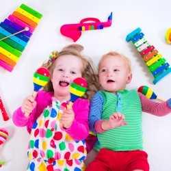 Juguetes musicales recomendados para bebés y niños