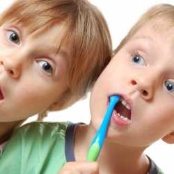 Los dientes de bebés y niños