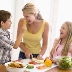 La alimentación para el correcto crecimiento en la pubertad y la adolescencia