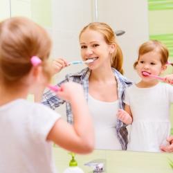 Higiene y limpieza dental en casa y en la clínica