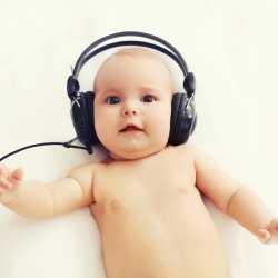 Con música los bebés prematuros sufren menos y se alimentan mejor