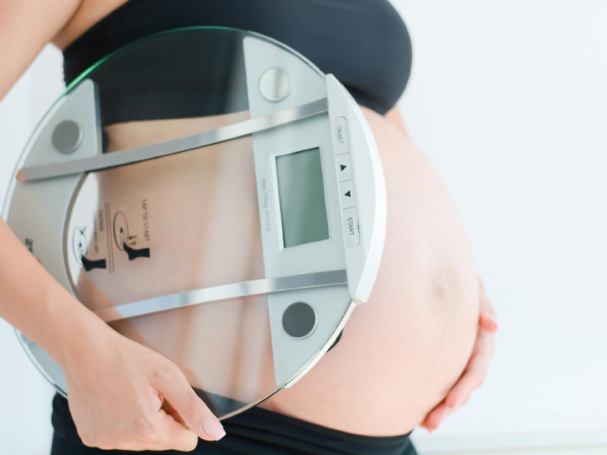 la mujer aumenta de peso a propósito