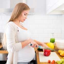 Alimentos y nutrientes esenciales para el embarazo