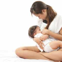 Cómodas prendas para amamantar a tu bebé