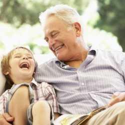 Los niños cuidados por los abuelos sufren menos accidentes