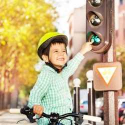Enseña a tu hijo a ir seguro por la calle