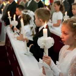 La primera comunión de los niños: ¿fiesta social o espiritual?